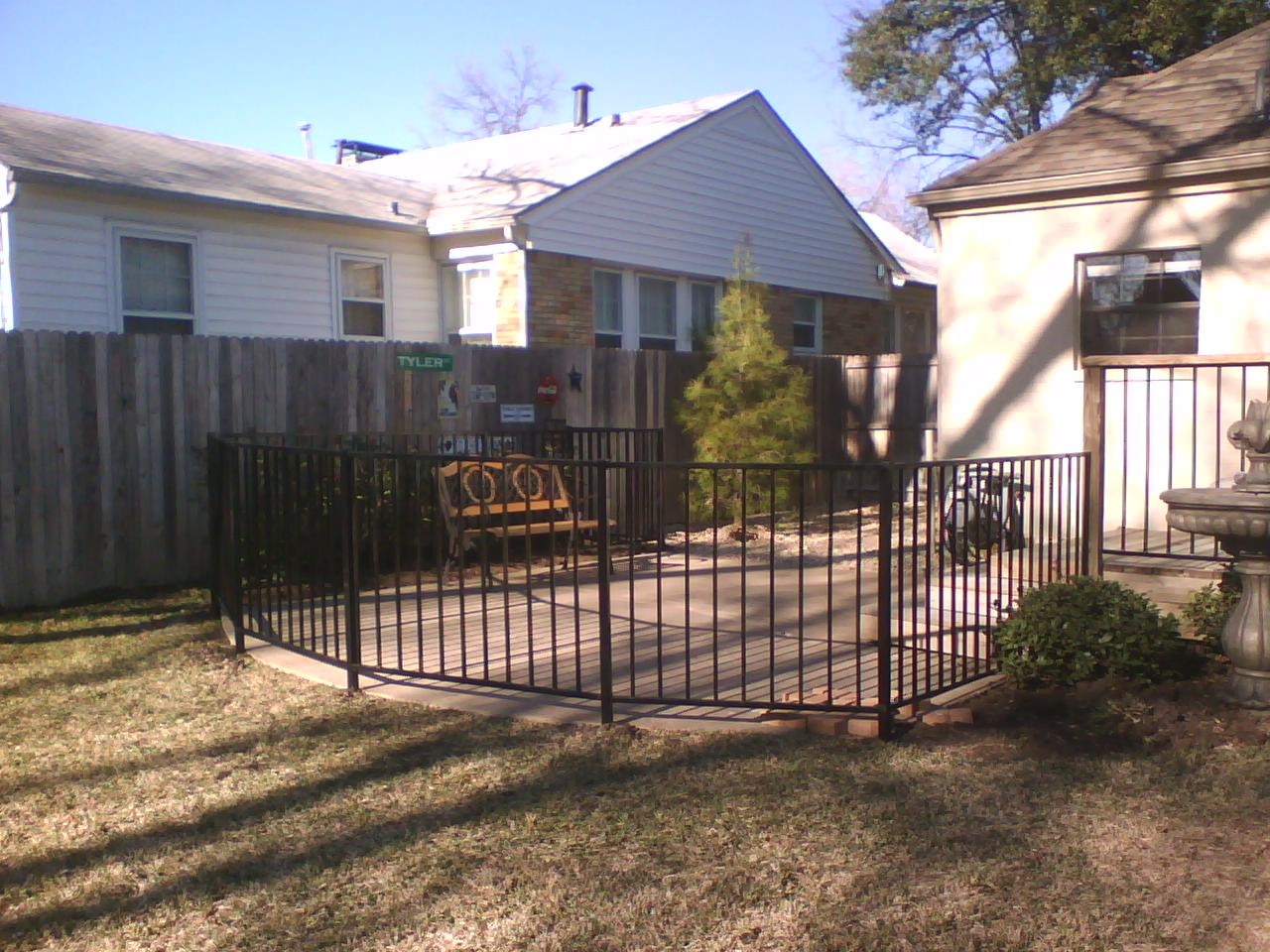 How much would it cost to build a fence for my back yard? - Yahoo