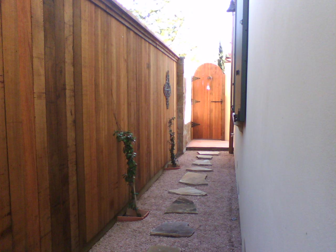 32 8 Foot Clear Cedar Side By Side Fence With Arched Gate