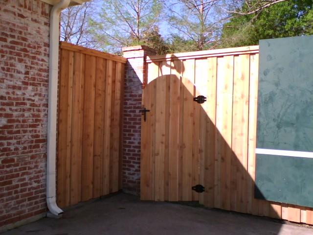 26 Arched Header Gate Board On Board Cedar Fences