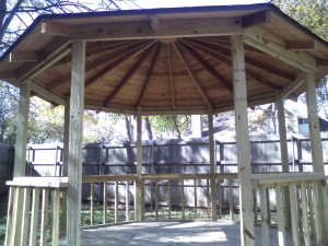 Dallas Area Master Creator of Outdoor Environments Offers Full Line of Gazebos